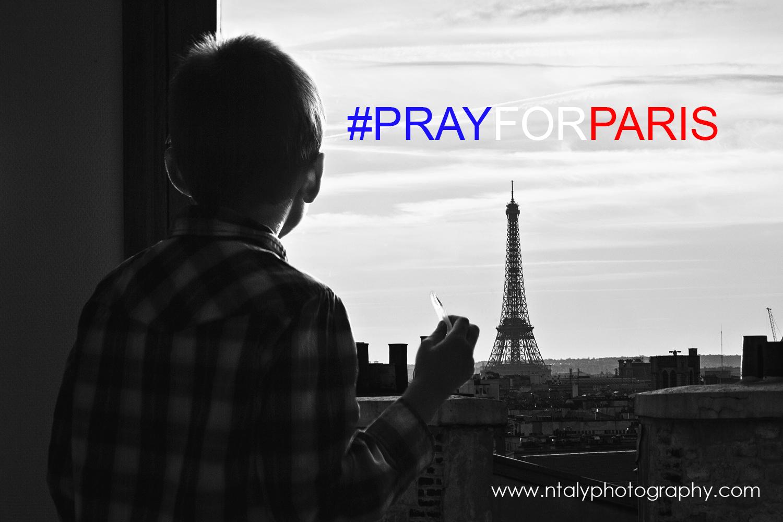 pray for paris tour eiffel