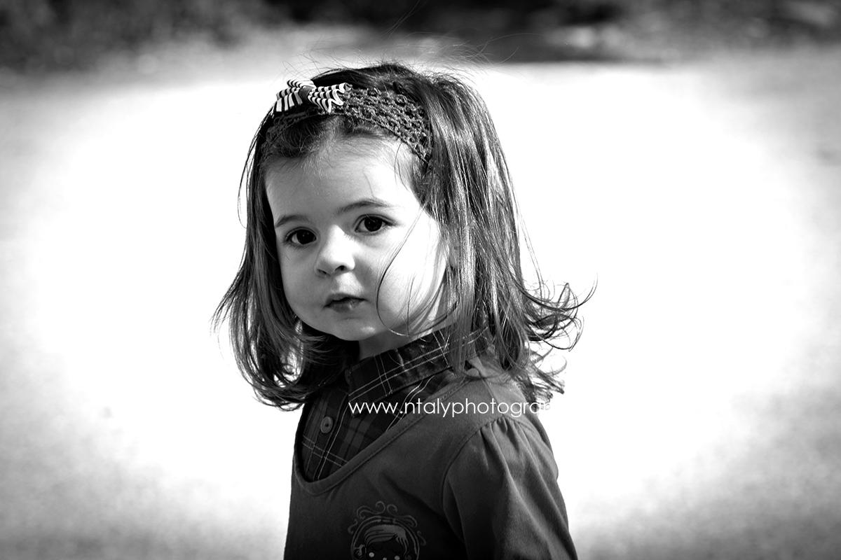 portrait noir et blanc fillette