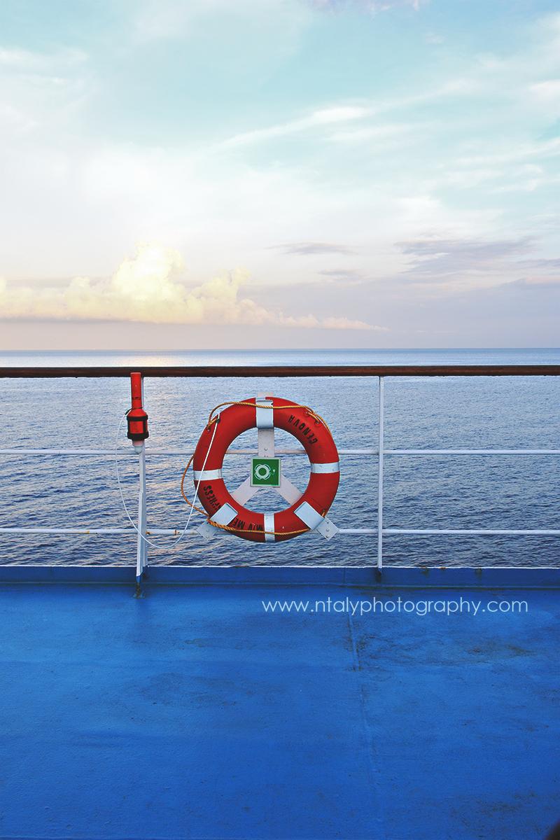 vue bateau corse bouée mer