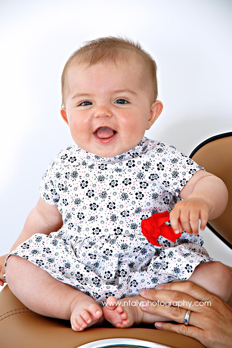 bebe heureux photographe a domicile