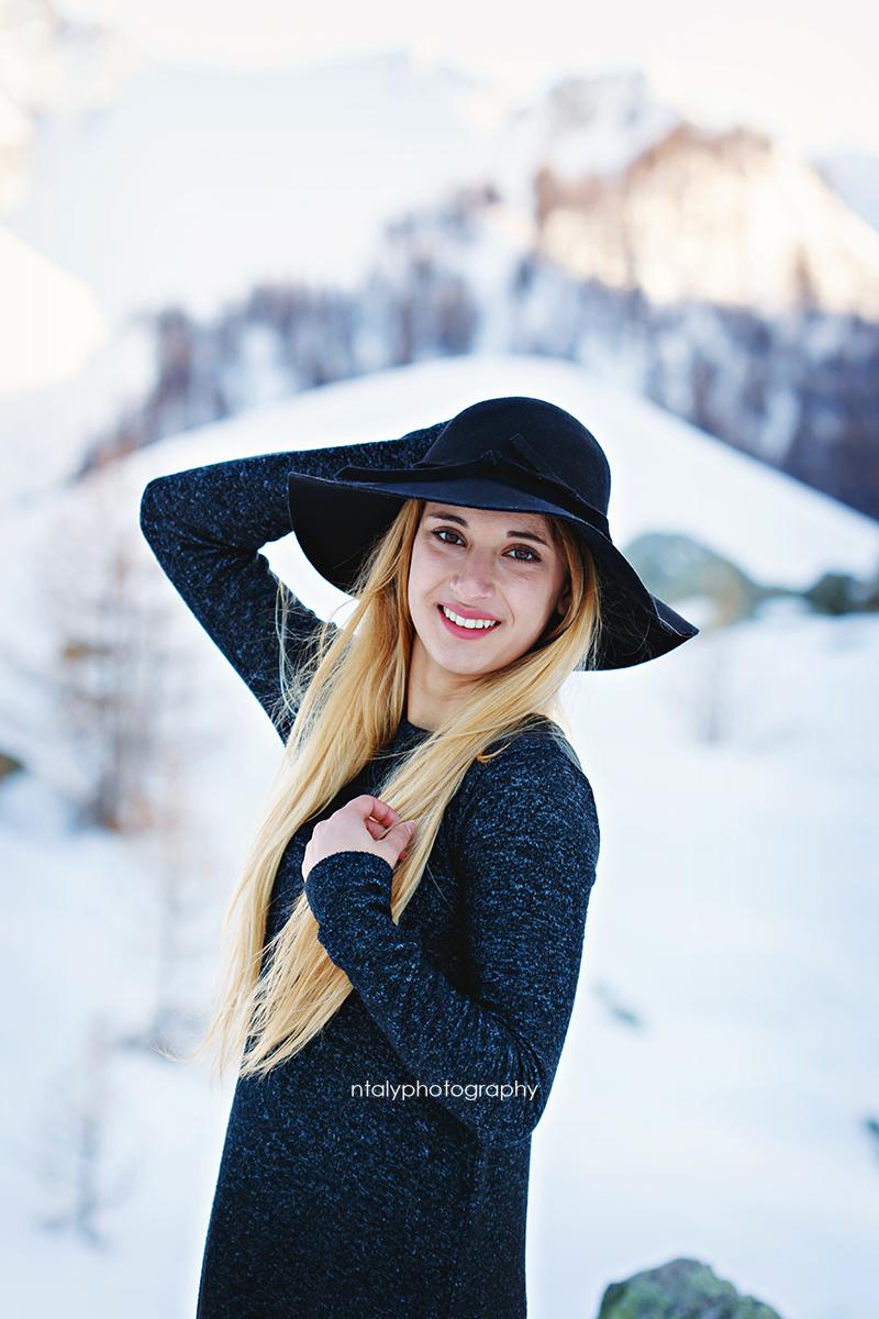 jeune femme hiver montagne