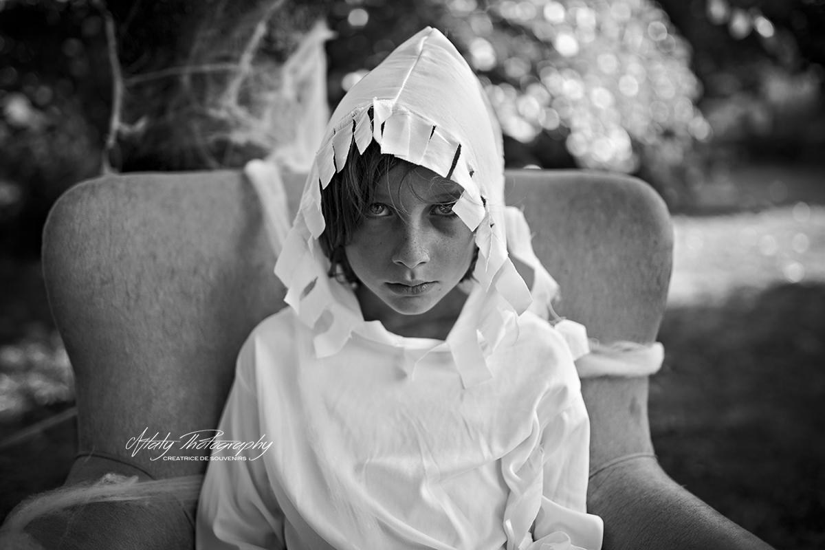 portrait enfant noir et blanc halloween