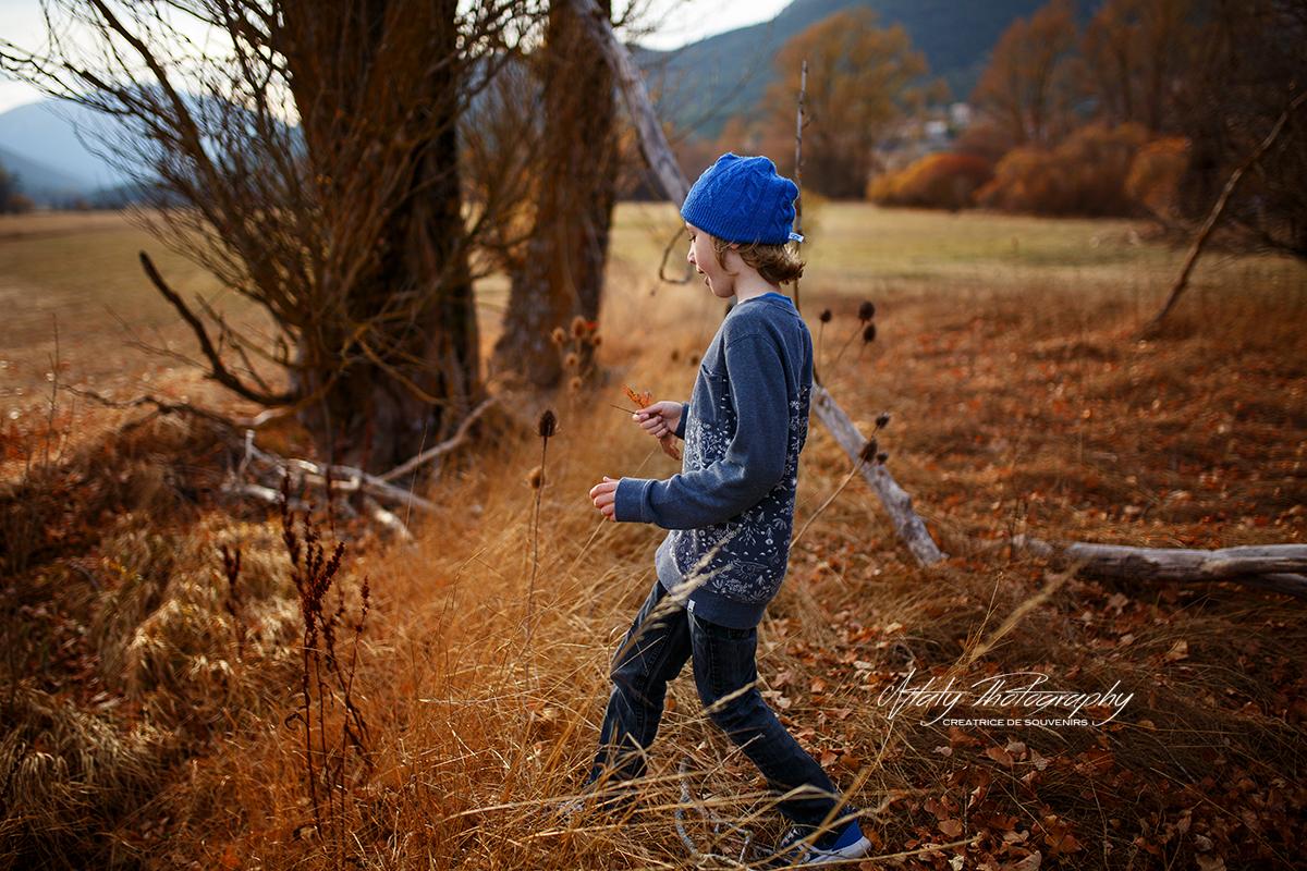 enfant promenade montagne