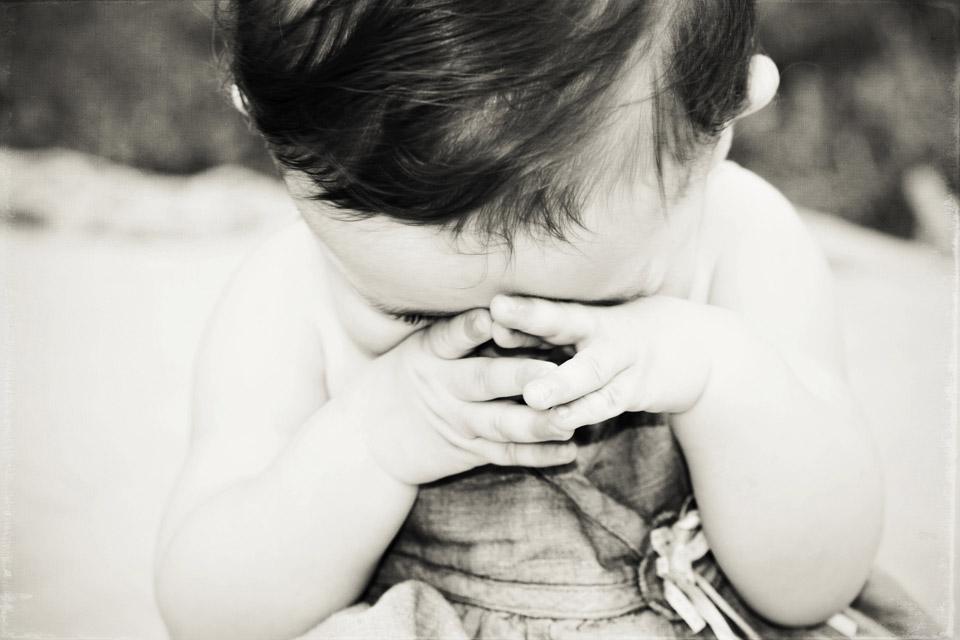 photographie noir et blanc bebe