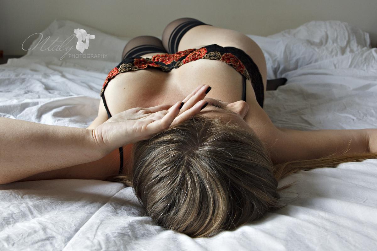 jeune femme lingerie sensuelle photo boudoir