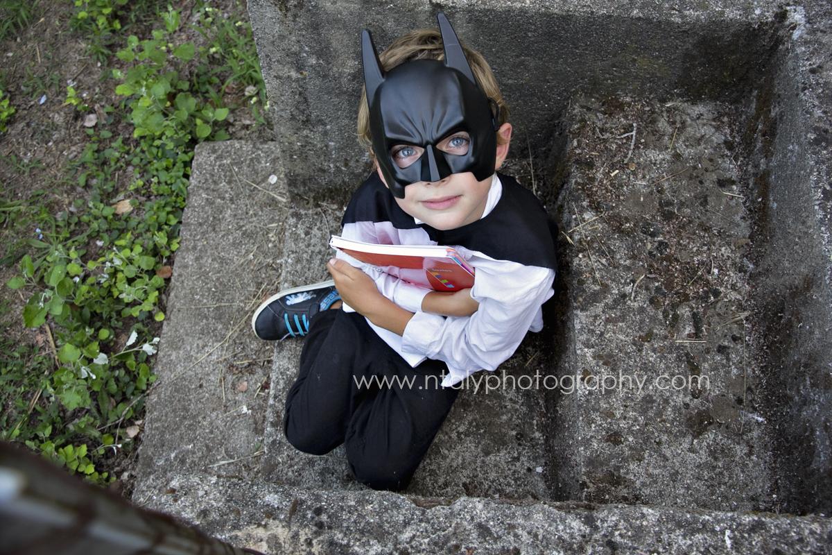 enfant batman séance photo rentrée scolaire originale