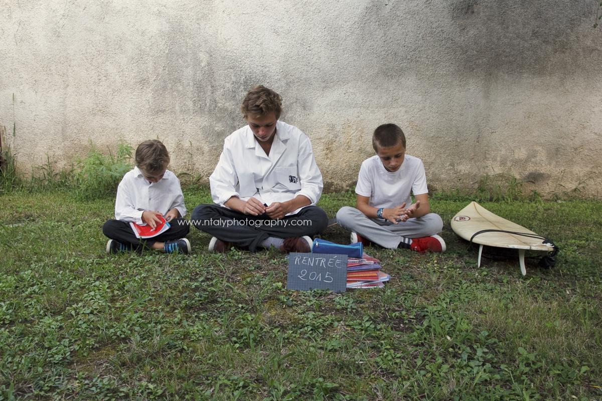 trois frères rentrée scolaire photoshoot original photographe