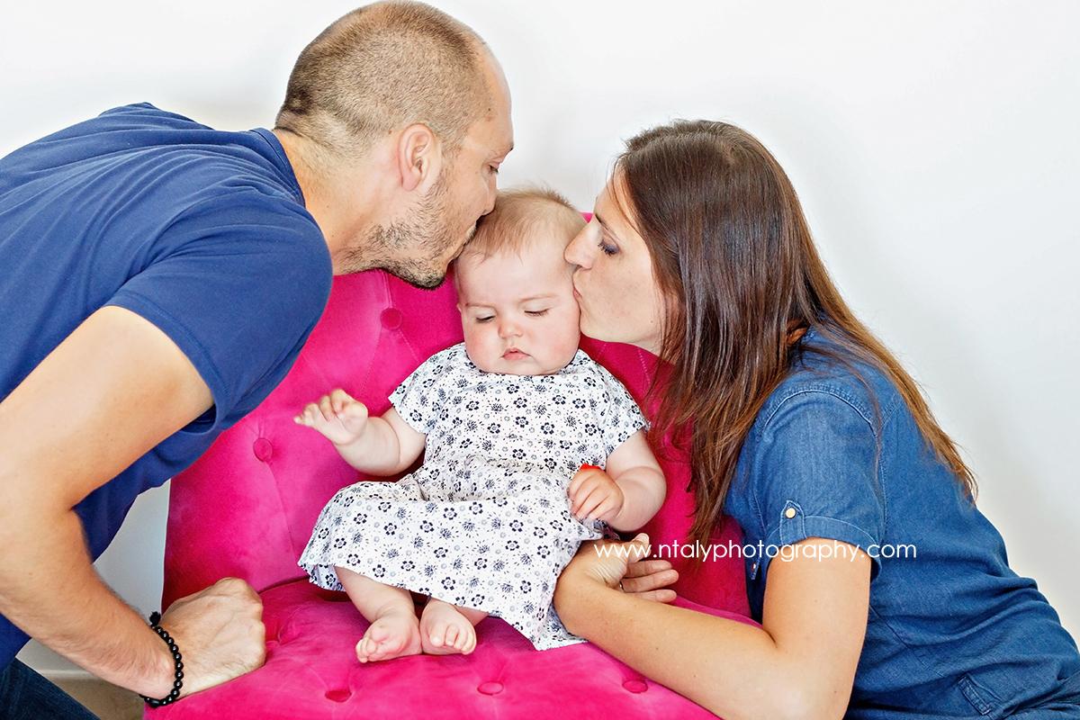 papa maman bebe câlin bisou