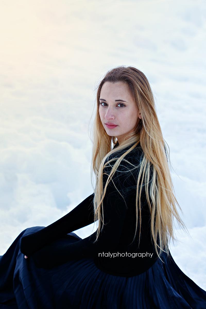 jeune femme neige