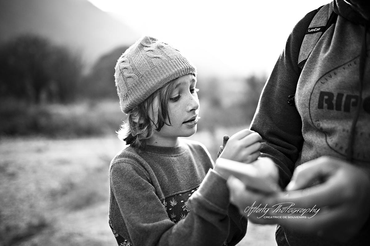enfant noir et blanc