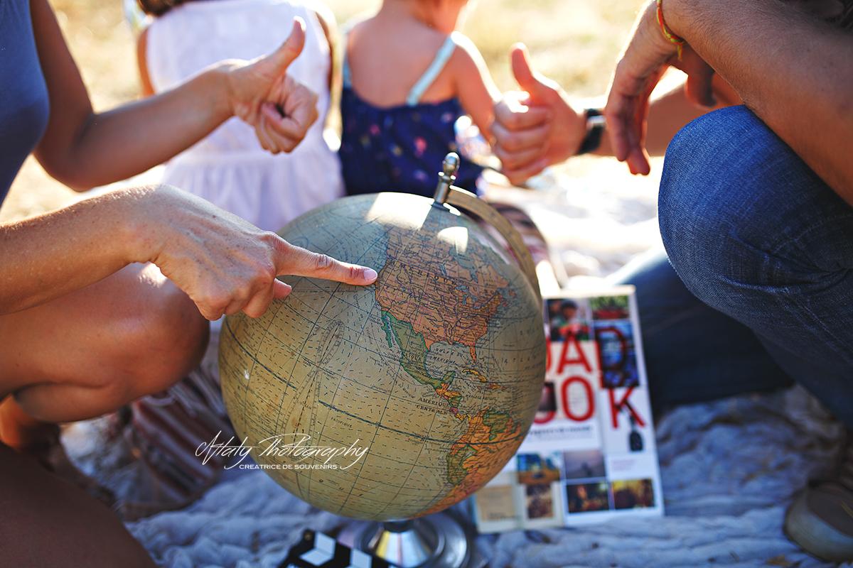voyage globe road book