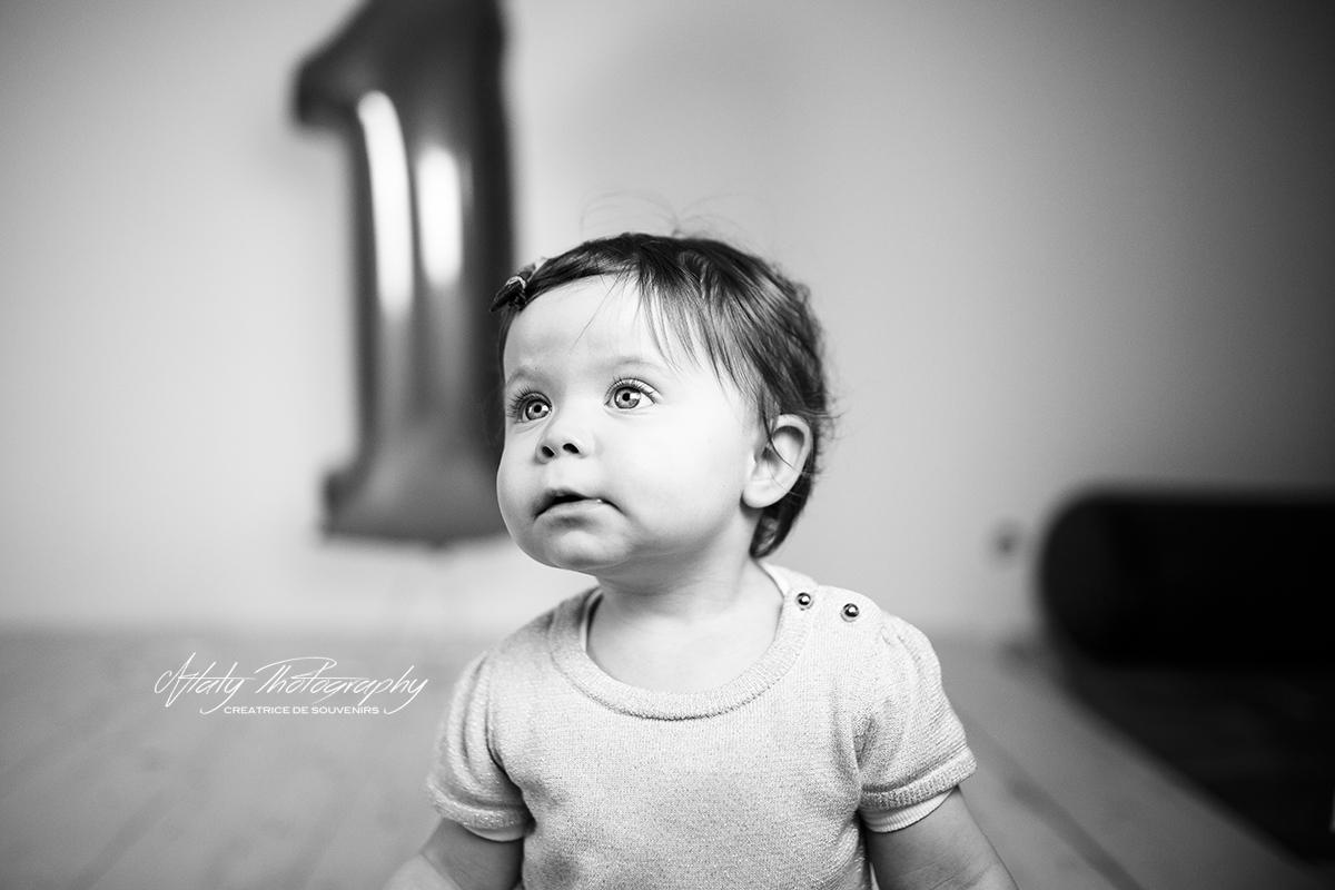 portrait bebe noir et blanc